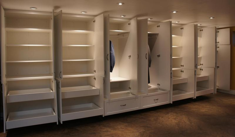 Built- in wall closets - Portfolio